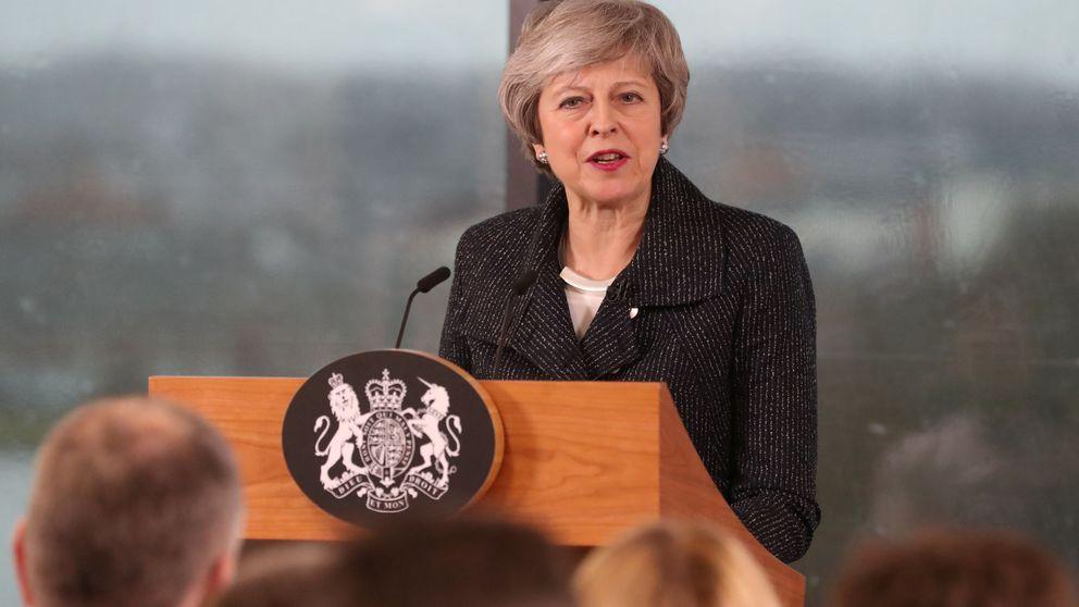 May en Belfast a la desesperada: viaje al agujero del Brexit