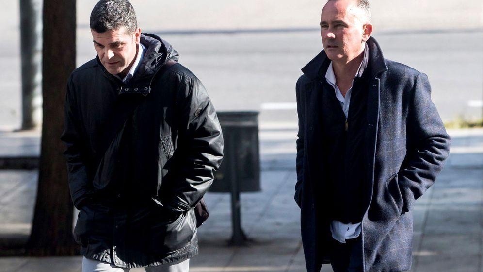 Foto: El director del Area TIC del Centro de Telecomunicaciones y Tecnología de Información, Luis Anaya, a su llegada a los juzgados. (EFE)