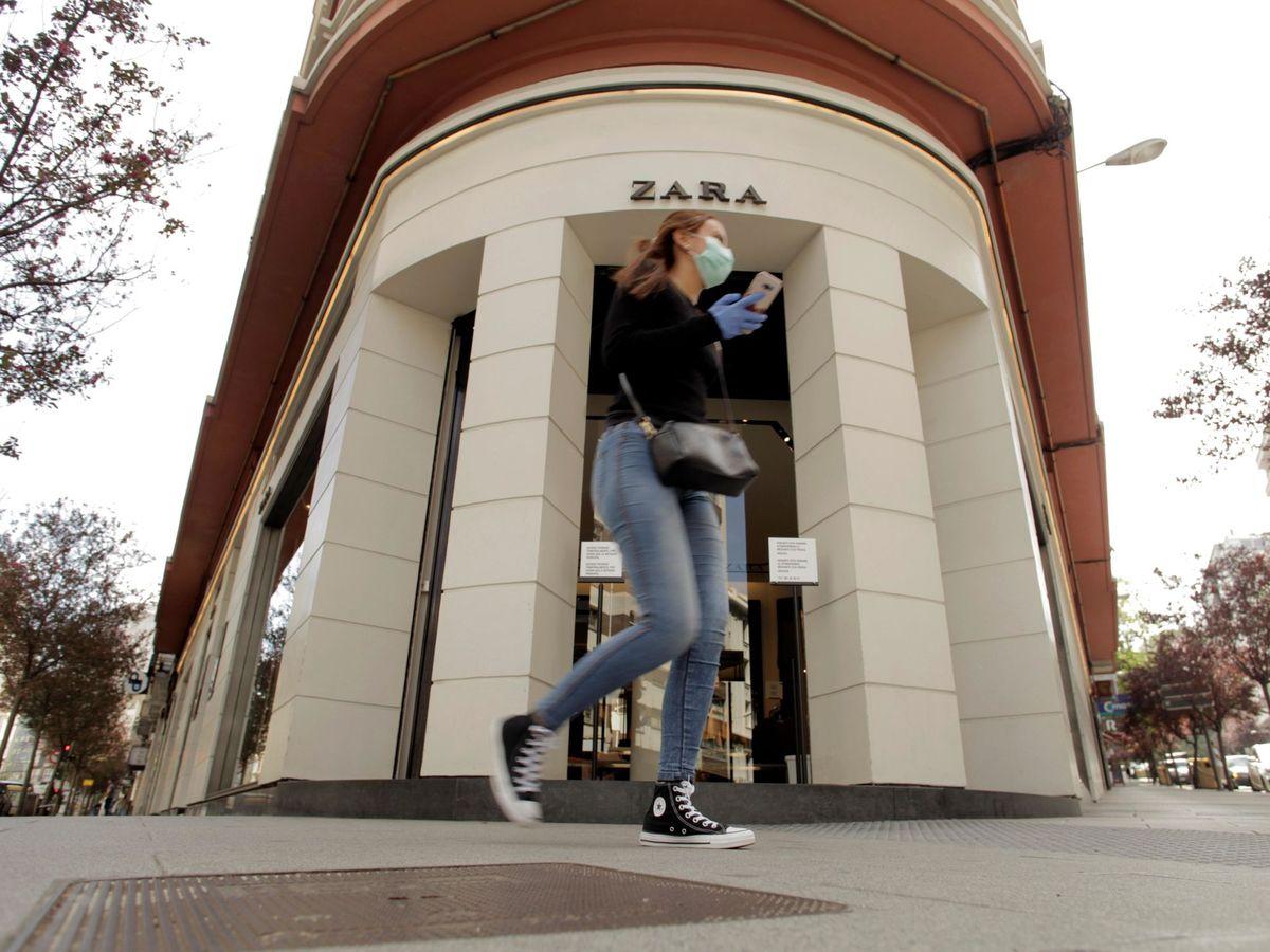 Foto: Inditex comienza la reapertura con un máximo de 4 clientes por tienda