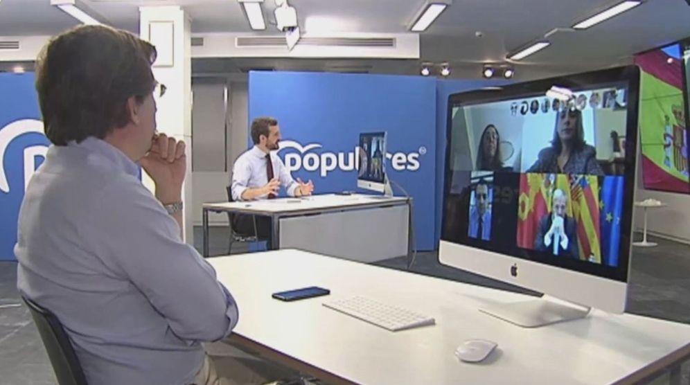 Foto: Almeida, juntpo a Casado en la videoconferencia con alcaldes de la FEMP del PP. Efe