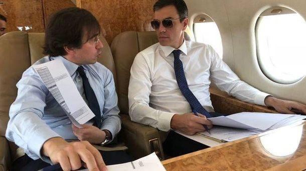 Foto: Los desplazamientos de Pedro Sánchez en el avión presidencial han llamado mucho la atención. (La Moncloa)