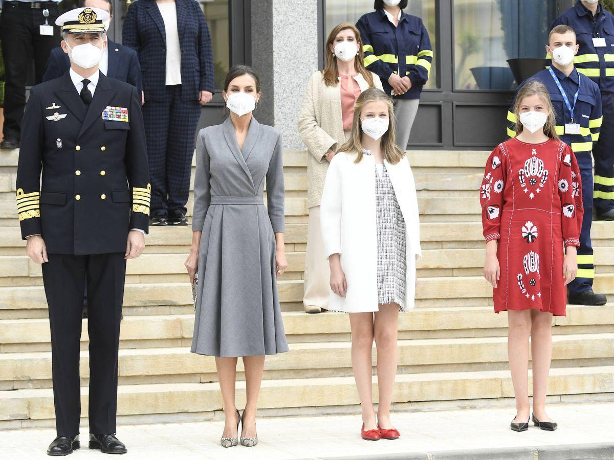 Foto: La familia real, este jueves en Cartagena. (Limited Pictures)