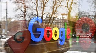 Amazon y Google van a gestionar tus ahorros, y lo saben