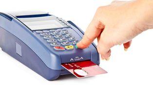 Un iPhone y 270 euros: así de fácil es robar el pin de una tarjeta