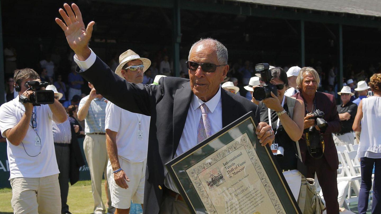 Bollettieri, tras ser incluido en el paseo de la fama del tenis. (Reuters)