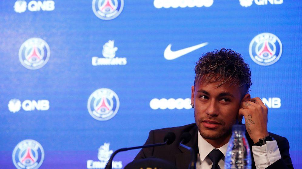 Foto: Neymar fue presentado como jugador del PSG este viernes en París. (Reuters)