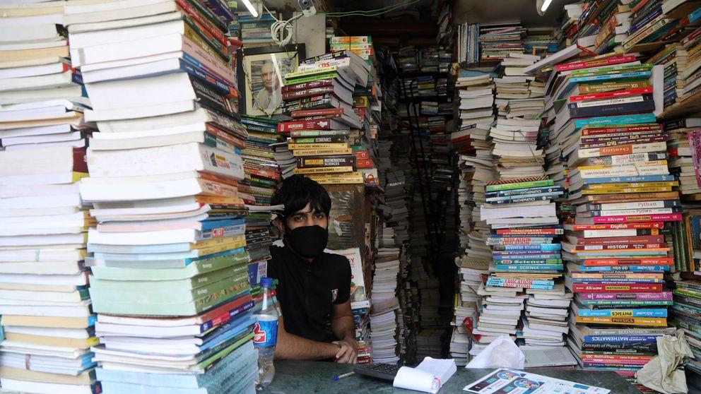 Las librerías se preparan para reabrir: gel, guantes... y firmas de libros con cita previa