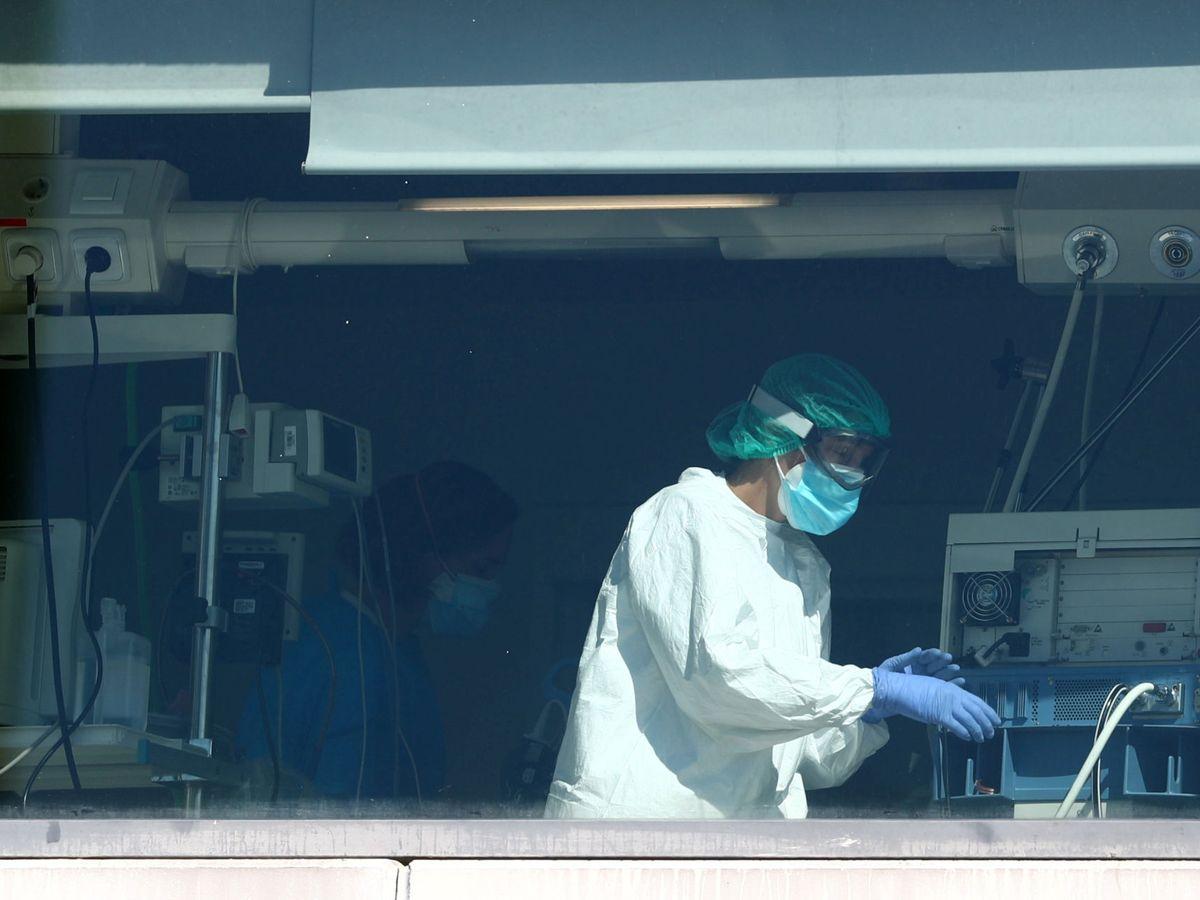Foto: Los hospitales de Madrid están cada vez más llenos. (Reuters)