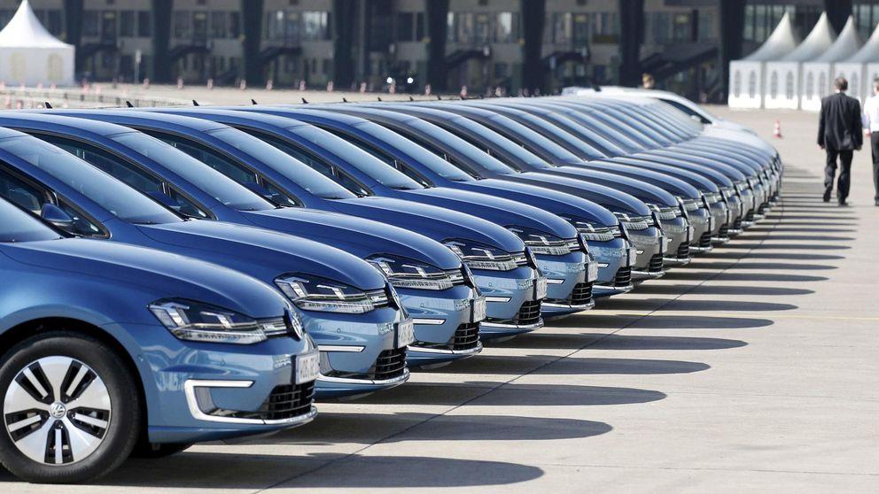 Bruselas investiga si BMW, Daimler y VW pactaron no competir en bajar emisiones