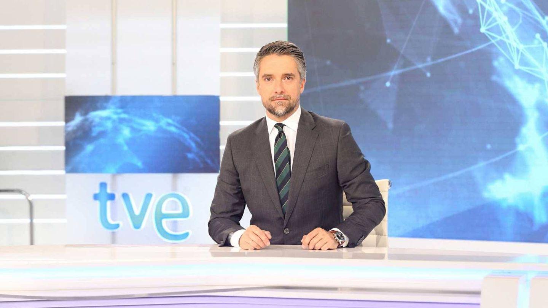 El periodista, durante un telediario. (TVE)