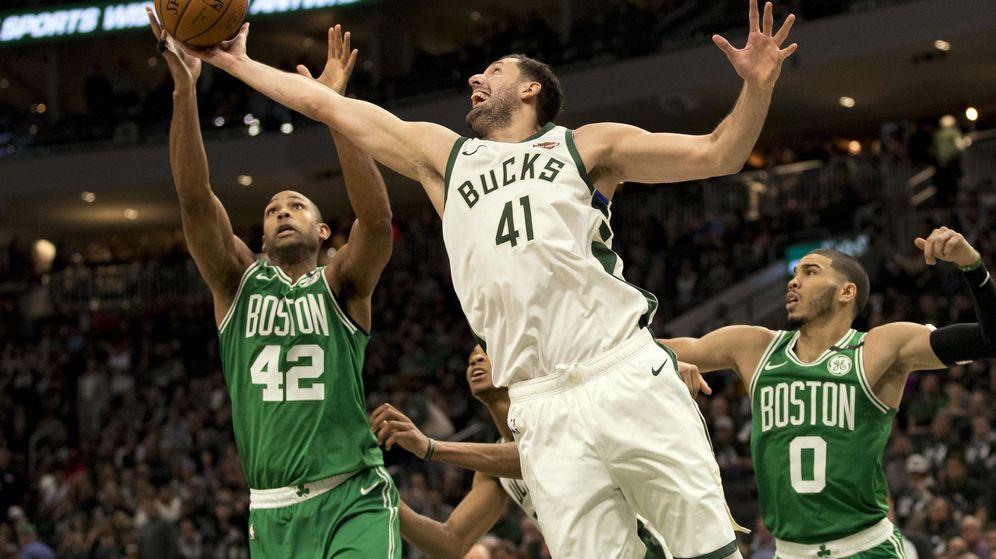 Foto: Nikola Mirotic jugó la segunda parte de la última temporada con los Milwaukee Bucks. (USA TODAY)