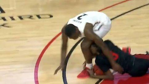 Escándalo en el baloncesto universitario: muerde a un rival al luchar por el balón