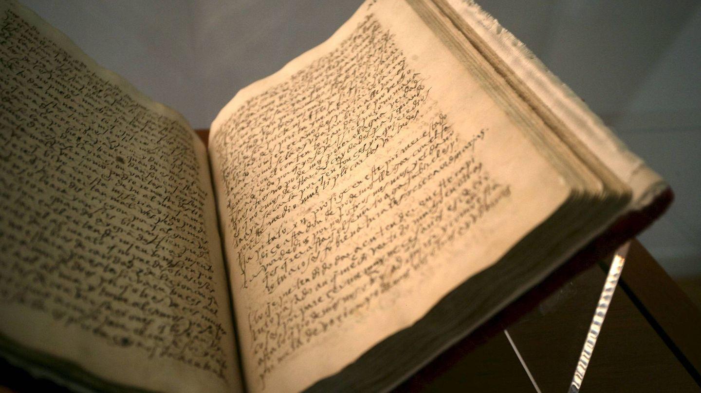 Imágen del manuscrito original de Santa Teresa de Jesús 'El Libro de la Vida. Foto: EFE.