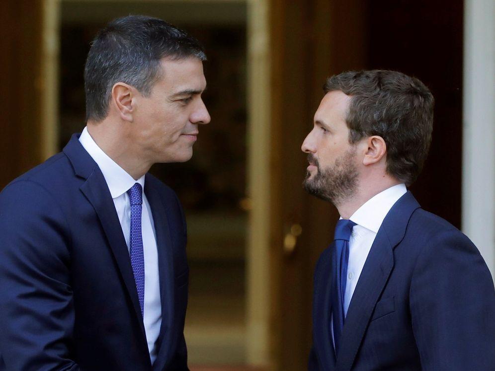 """Foto: Sánchez se reúne con casado para analizar situación en cataluña tras sentencia del """"procés"""""""