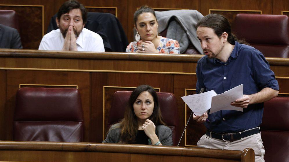 Foto: El líder de Podemos, Pablo Iglesias, durante su intervención en la última sesión de control al Gobierno. (EFE)