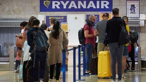 La Justicia prohíbe que Ryanair cobre suplemento por viajar con un bolso y maleta