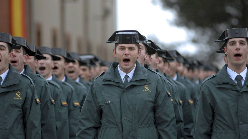 Foto: Guardias civiles, en la academia de Baeza. (EFE)