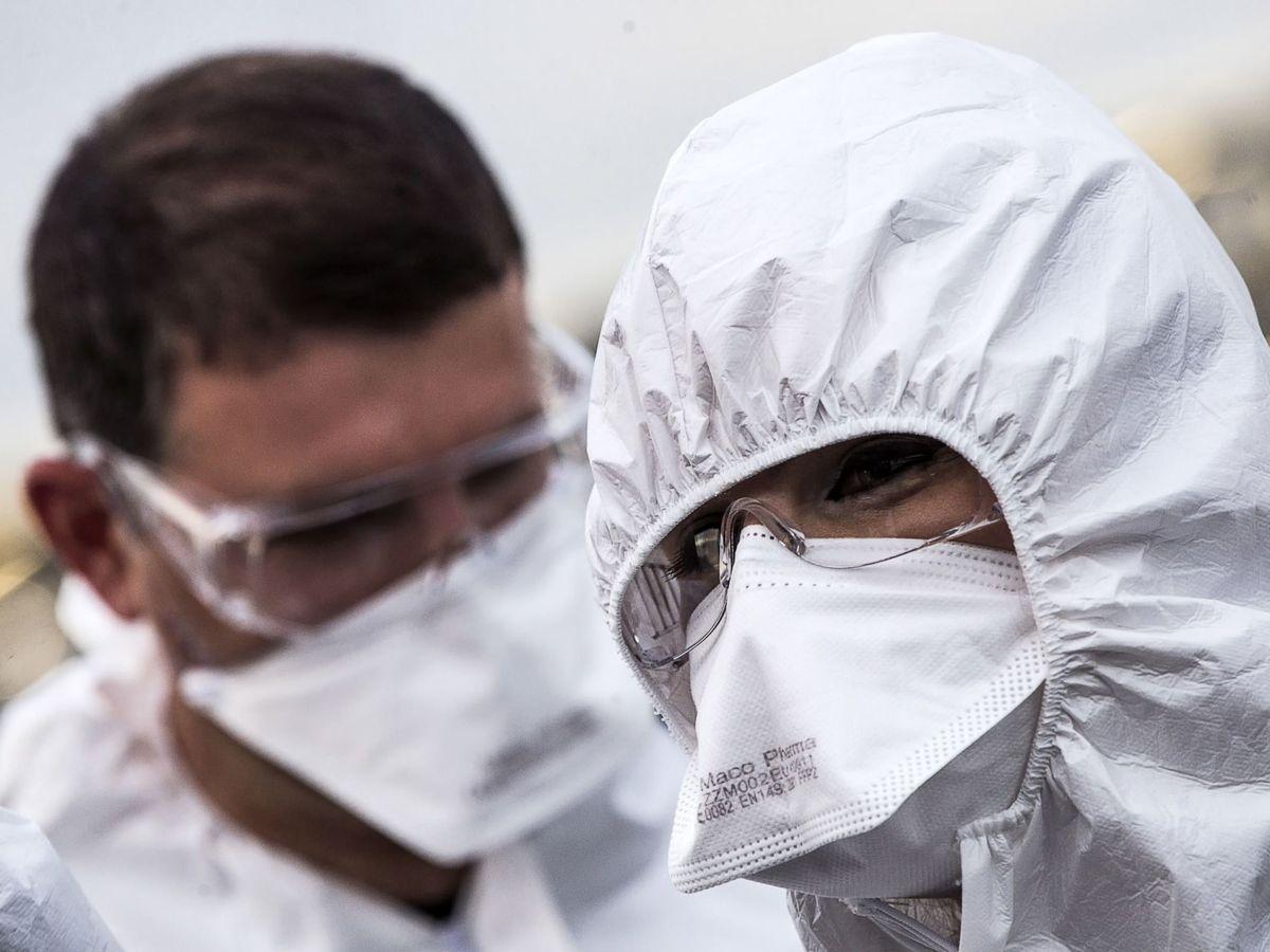 Foto: Médicos albaneses llegan a Italia para ayudar durante la crisis sanitaria. (EFE)
