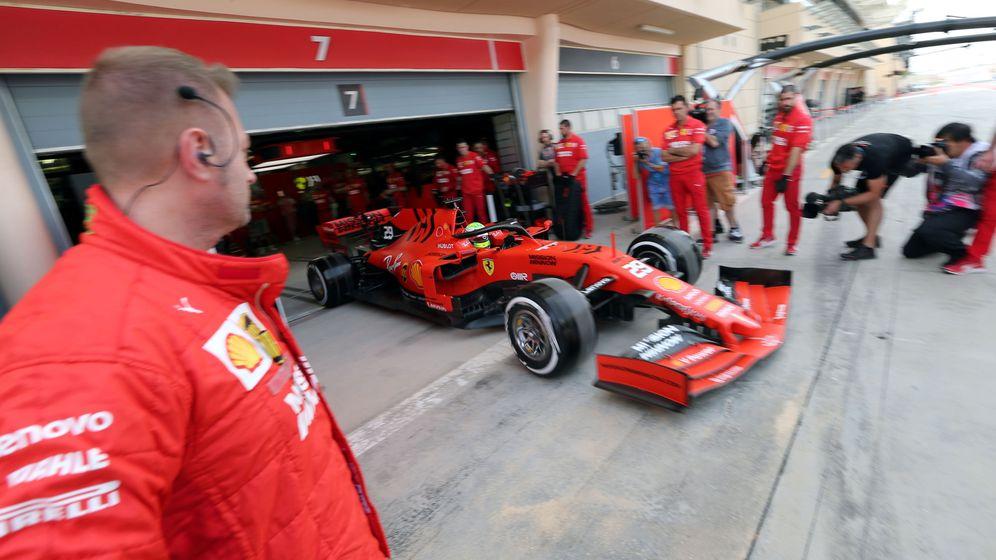 Foto: Ferrari durante los test post Gran Premio de Bahréin. (Reuters)