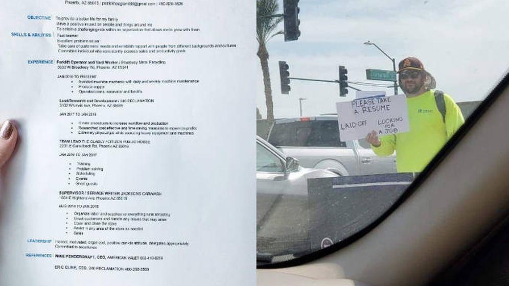 Foto: Patrick Hoagland, en un semáforo de Phoenix, entregando su CV. (Foto: Twitter)