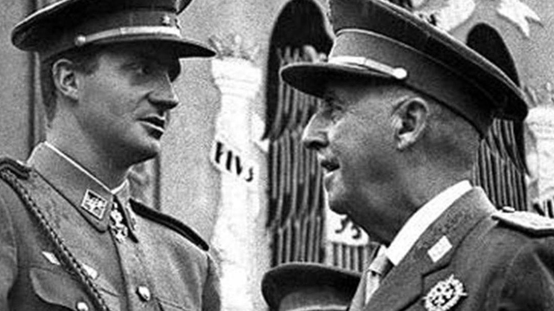 El Rey don Juan Carlos junto al general Franco (EFE)