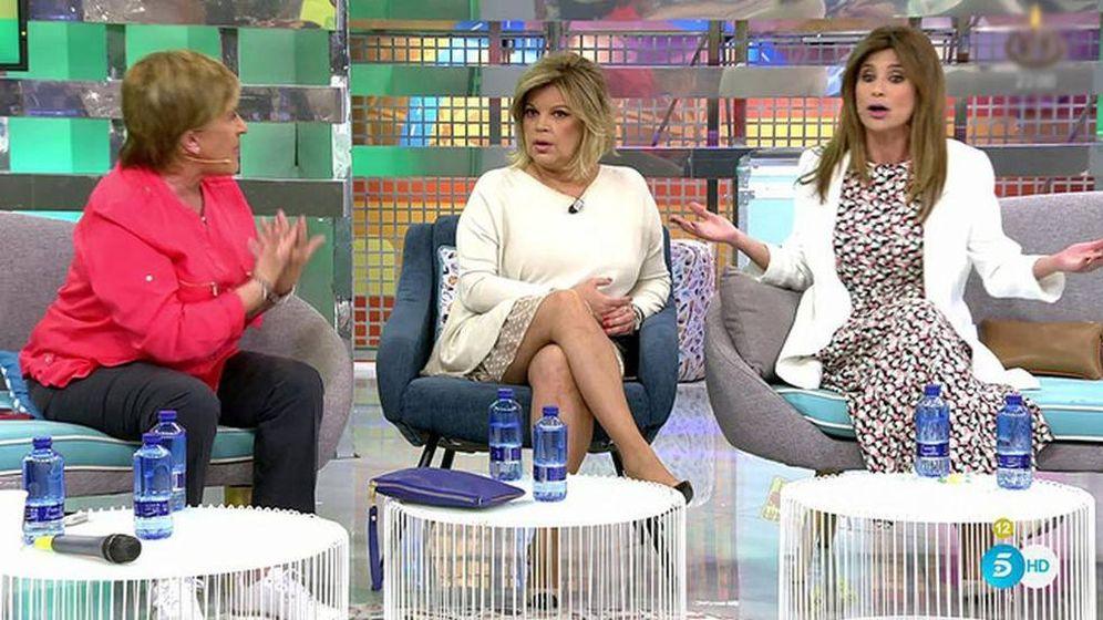 Foto: Chelo García Cortés, Terelu Campos y Gema López en 'Sálvame'. (Telecinco)