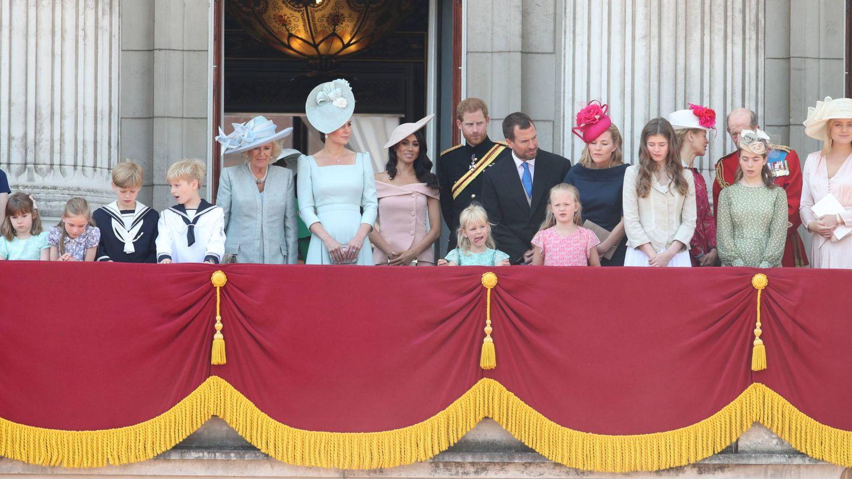 La familia real inglesa al completo, en el balcón de Buckingham Palace. (Gtres)