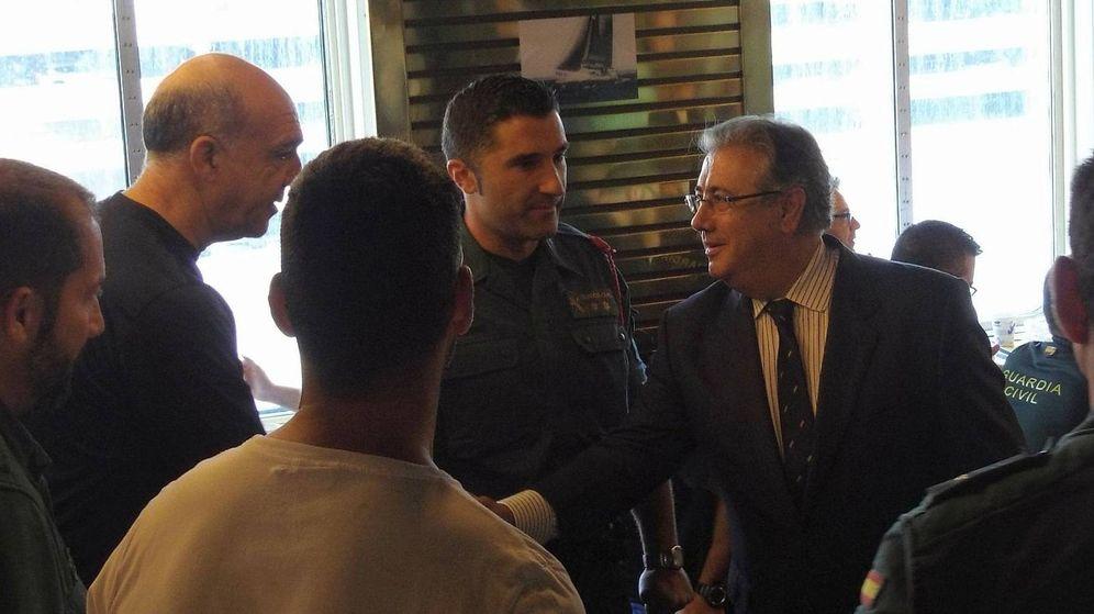 El ministro de interior se ha reunido con los agentes de los cuepos de  seguridad del Estado para transmitirles ánimos por la situación que están  viviendo en ... bda980aa3a2