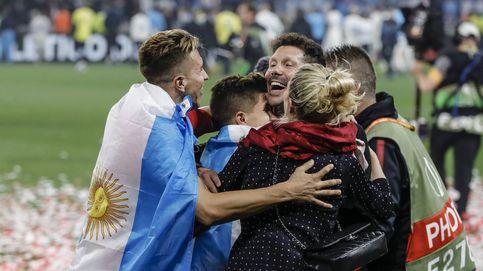 De Torres a Simeone: los jugadores del Atlético celebran la victoria con sus retoños