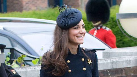 ¡Qué obsesión! Los 23 abrigos azules de Kate Middleton, uno por uno
