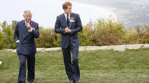 La última estocada del príncipe Harry a Isabel II y Carlos: Me trató como lo trataron a él