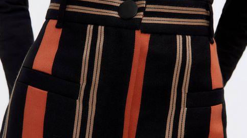 Descubre por qué este pantalón de rayas de Uterqüe hace un cuerpo de escándalo