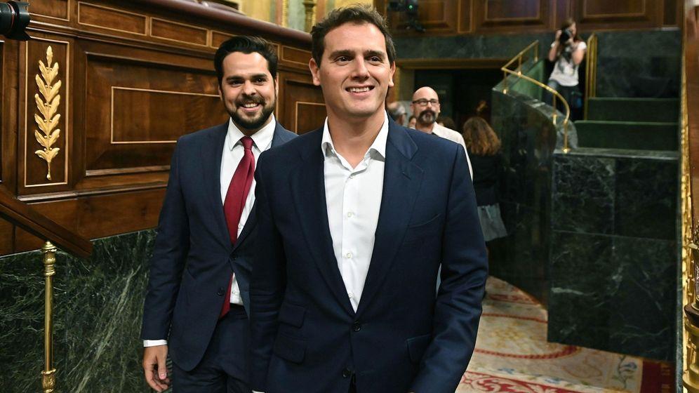 Foto: El presidente de Ciudadanos, Albert Rivera (d). (EFE)