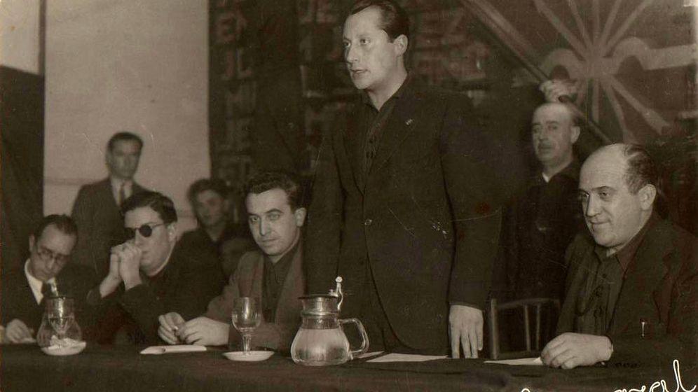 Foto: José Antonio Primo de Rivera en un acto de Falange