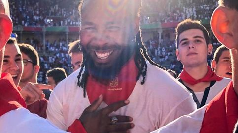 La estrella de la NFL que corre los encierros de San Fermín: Uno de los días más grandes