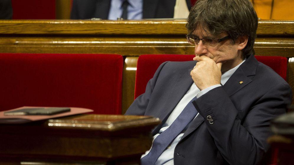 Foto: Carles Puigdemont, durante la sesión de control al gobierno catalán. (EFE)