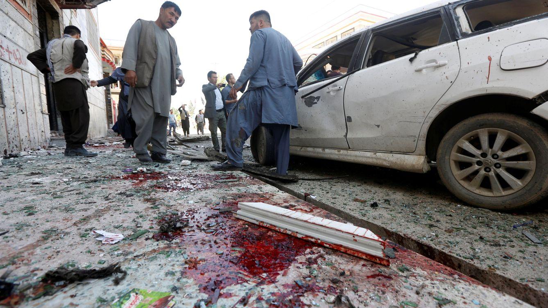Más de 57 muertos en un ataque suicida y otro con explosivos en Kabul