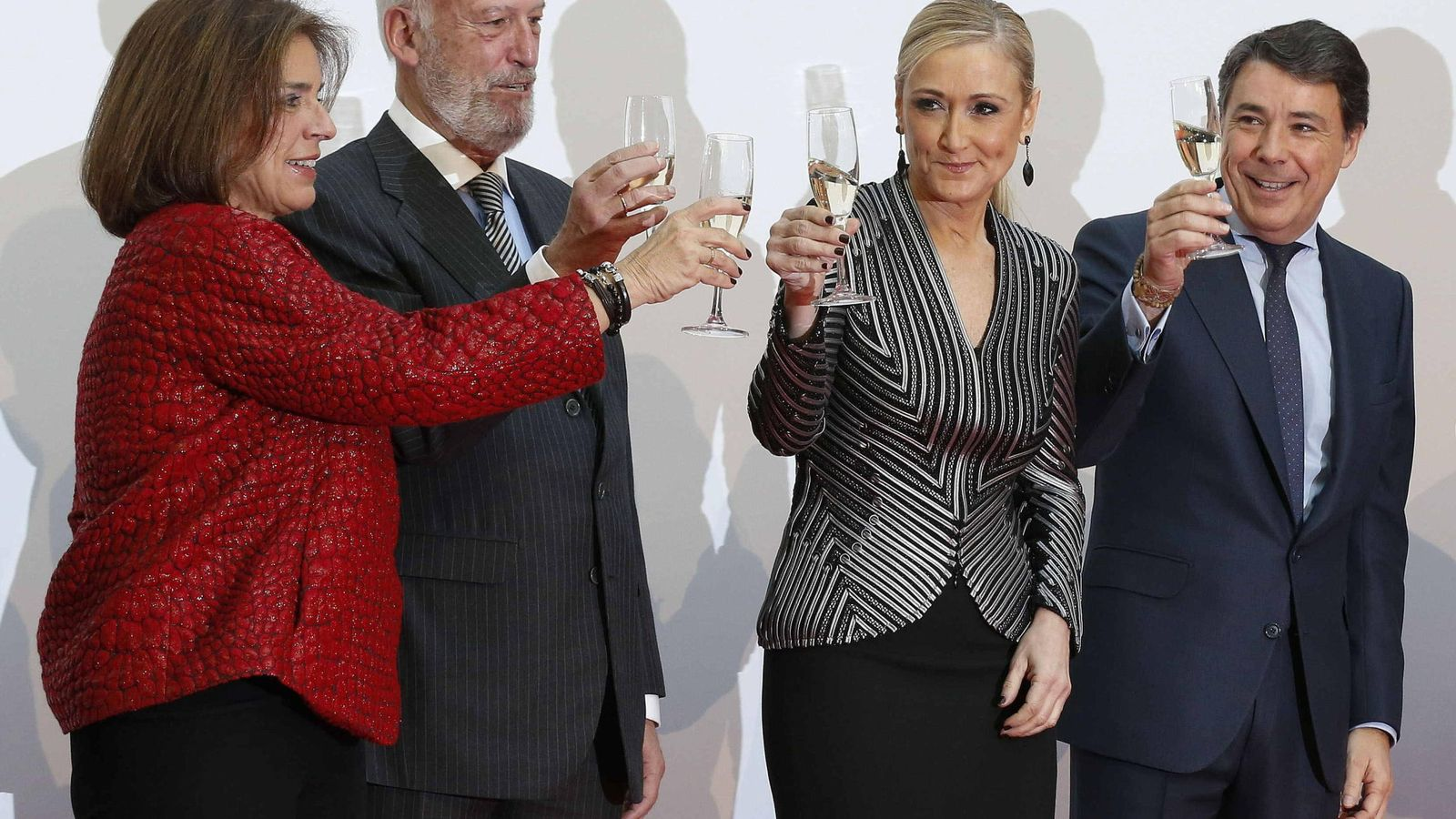 Foto: El diputado José Ignacio Echeverría, en la conmemoración del día de la Constitución el pasado año con Ana Botella, Cristina Cifuentes e Ignacio González. (EFE)