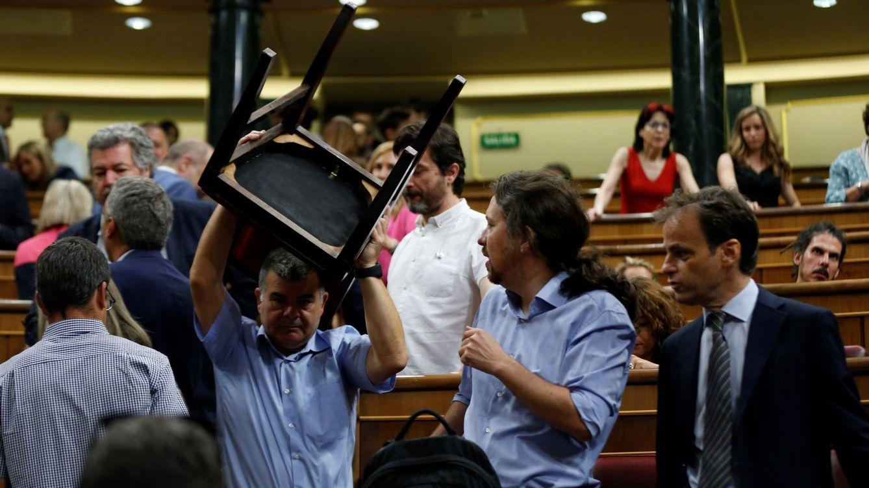 Foto: El líder de Podemos, Pablo Iglesias, en la segunda jornada del debate de investidura. (EFE)