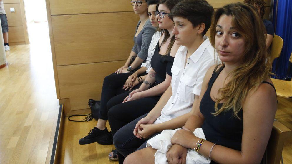 Juicio contra activistas de Femen por irrumpir semidesnudas en una marcha