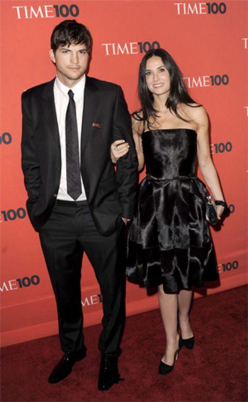 Acusan a Ashton Kutcher de volver a engañar a Demi Moore