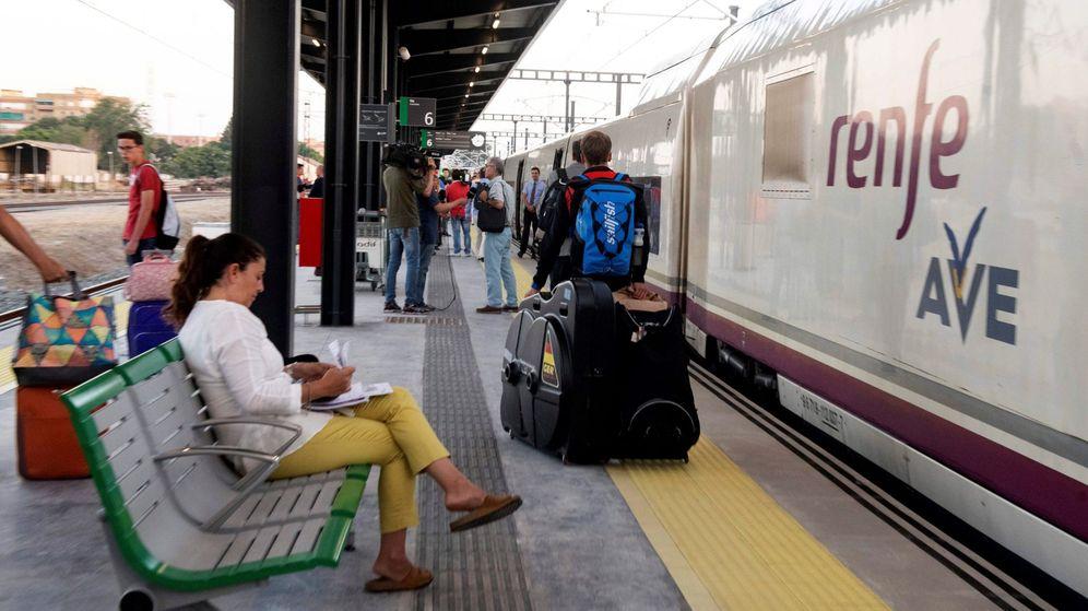 Foto: Tren de Alta Velocidad Española (Efe)