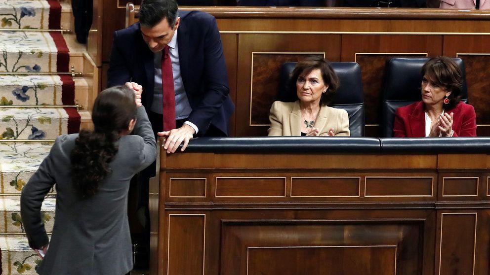 Sánchez libra la 'batalla' con Podemos en el terreno económico y con tecnócratas