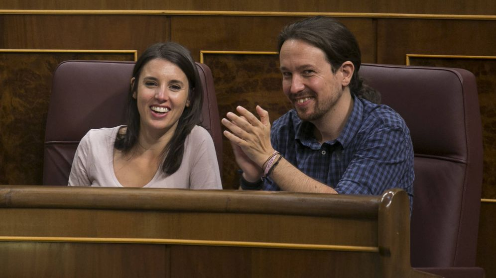 Foto: Irene Montero y Pablo Iglesias, en el hemiciclo. (Gtres)