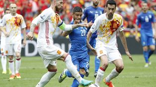 Sergio Ramos y Busquets no van a renunciar al Mundial por defender a Claramunt