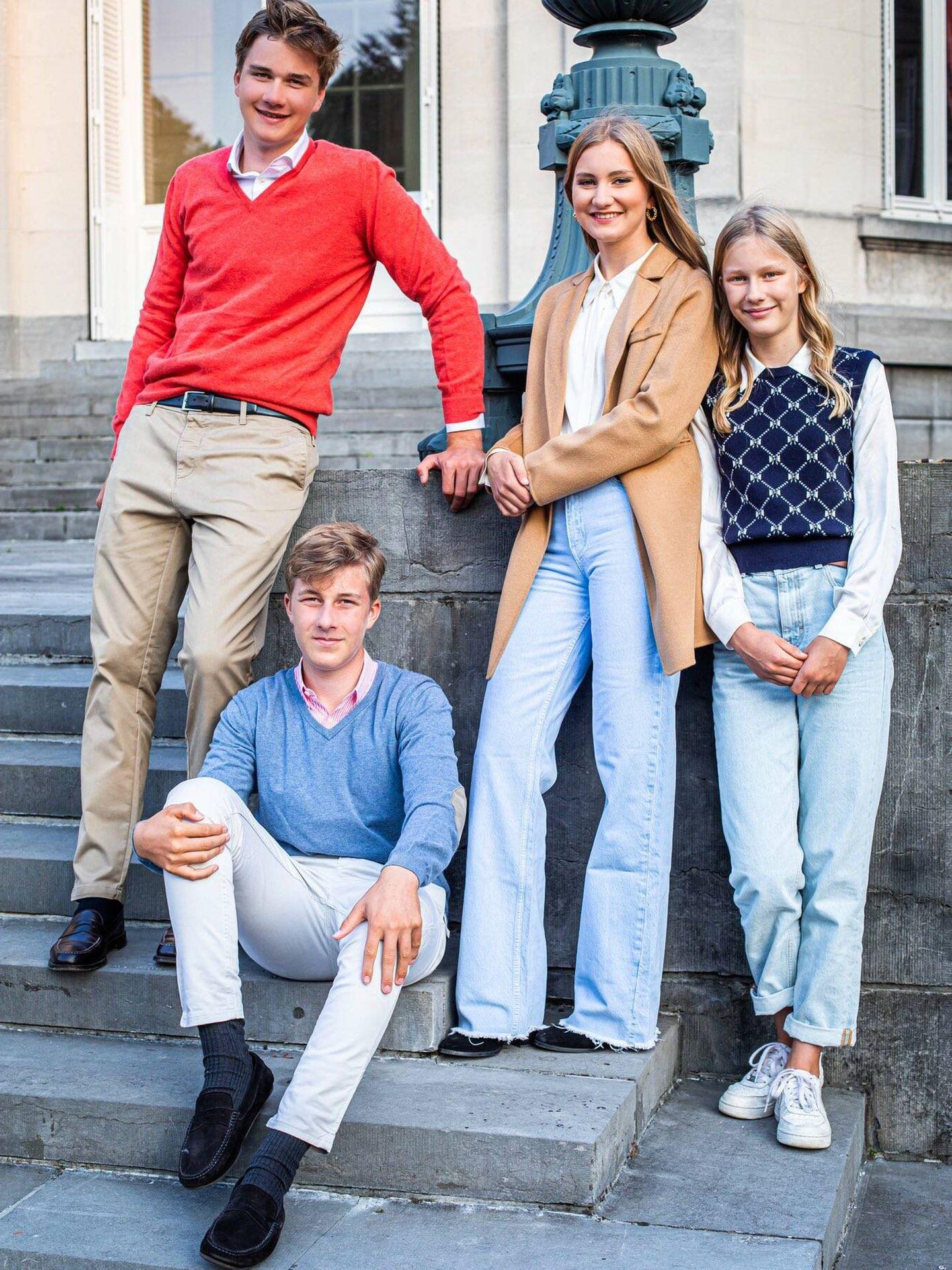 Los hijos de los reyes de Bélgica, en el castillo de Laeken. (Casa Real)