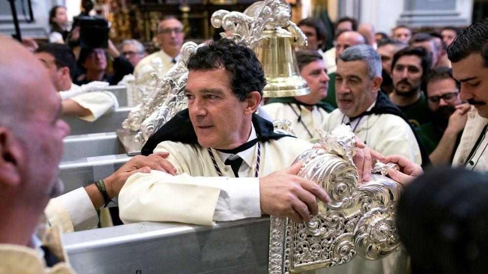 Foto: Antonio Banderas en la Semana Santa de Málaga. (Efe)