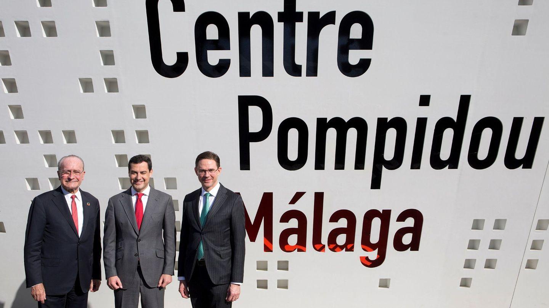 Francisco de la Torre, con Juanma Moreno y el vicepresidente de la Comisión Europea, Jyrki Katainen.