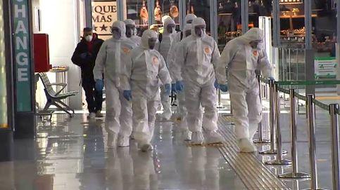 Así desinfecta la UME la estación de tren de Granada