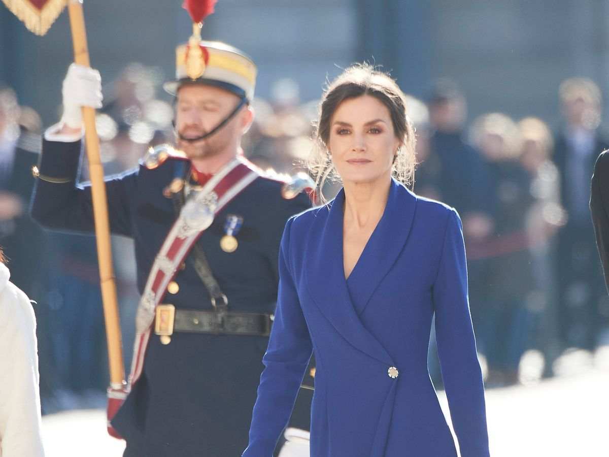 Foto: La reina Letizia en la Pascua Militar, de las últimas veces que lució un Felipe Varela. (Limited Pictures)